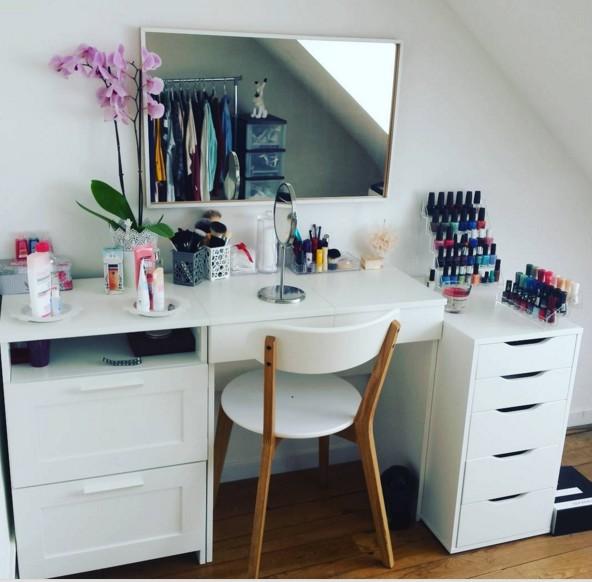 rangement make up stunning il suagit donc duune coiffeuse malm de chez ika laquelle juai rajout. Black Bedroom Furniture Sets. Home Design Ideas